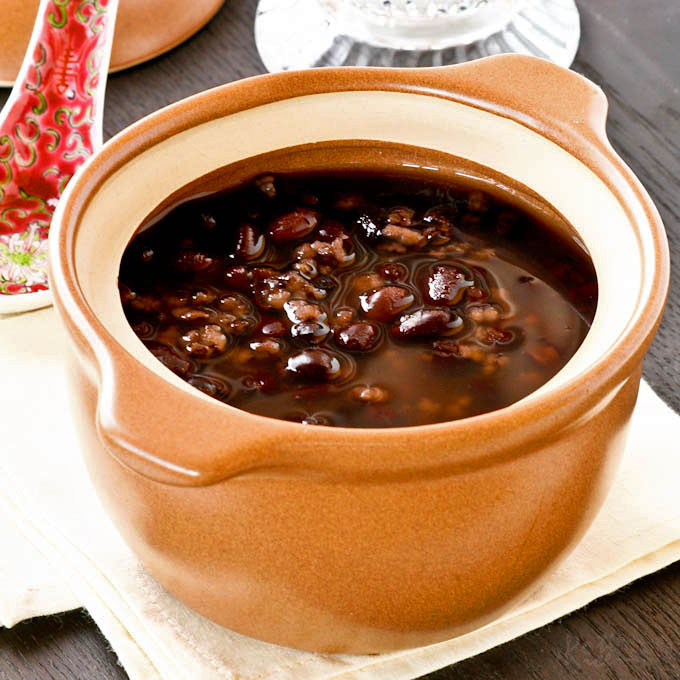 twist on the popular Chinese Sweet Red Bean Soup dessert made with ...