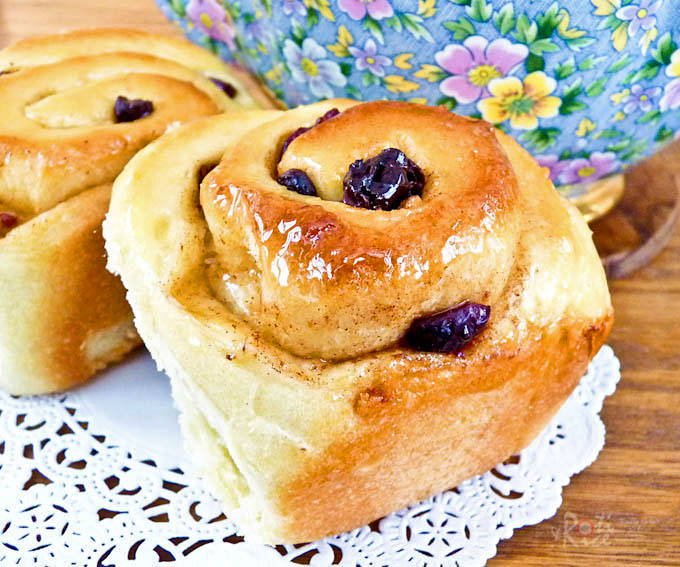 Chelsea Buns (British Cinnamon Rolls With Raisins) Recipe — Dishmaps