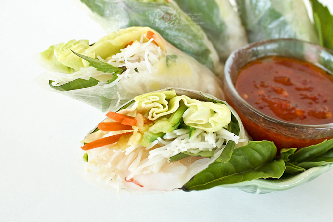 These tasty Vietnamese Style Spring Rolls are perfect for lunch in the summer months. They also work beautifully as appetizers any time of the year. | Food to gladden the heart at RotiNRice.com