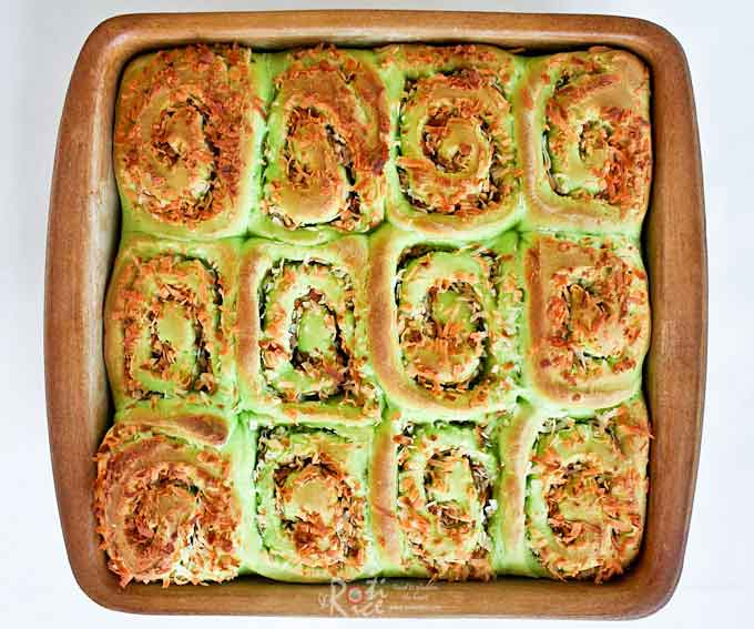 Deliciously fragrant and soft Coconut Pandan Rolls for snack or tea time. Add a little condensed milk for a moist filling. | RotiNRice.com
