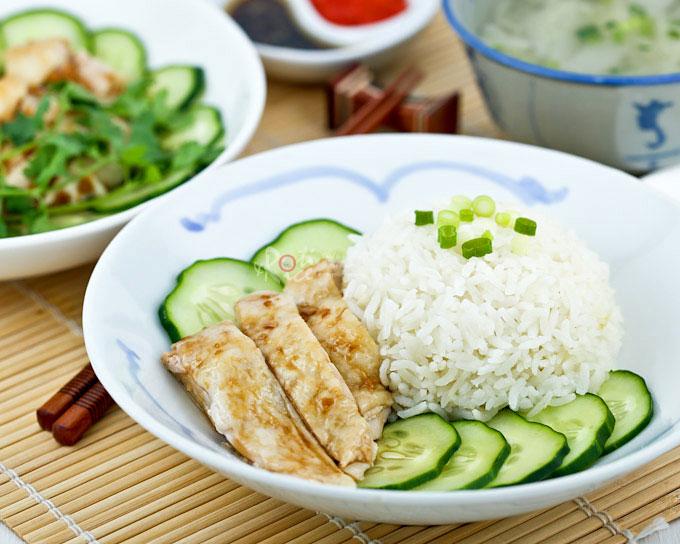 how to make hainanese chicken rice