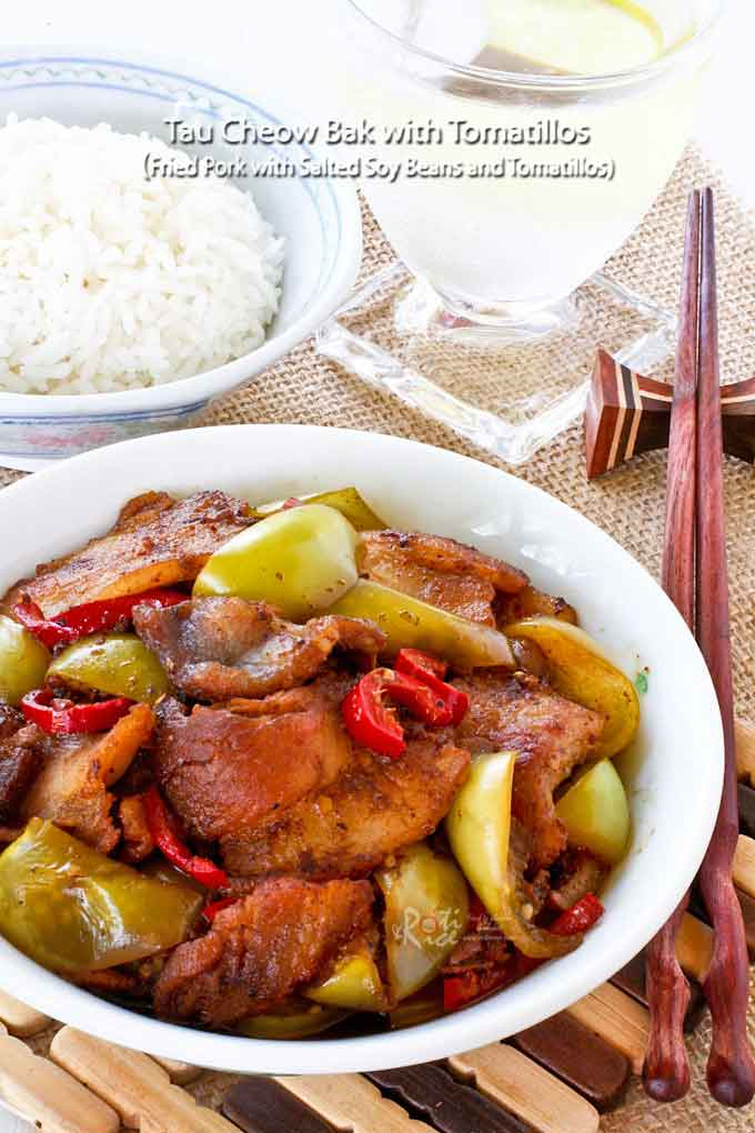 Tau Cheow Bak with Tomatillos is a delicious fried pork dish. Salted soy beans and tomatillos make the sauce slightly tangy and very appetizing. A must-try! | RotiNRice.com