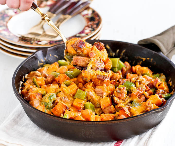 Sweet Potato, Ham, and Cheese Skillet - a hearty and delicious breakfast skillet using leftover ham that is sure to bring the family rushing to the kitchen. | RotiNRice.com