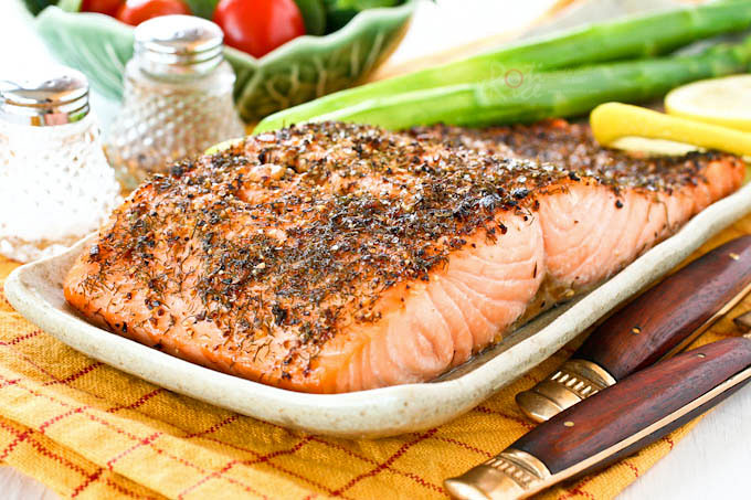 Quick and easy Lemon Pepper Dill Salmon, perfect for busy weeknights. Can be prepared in 15 minutes. Delicious served with rice or mashed potatoes. | RotiNRice.com