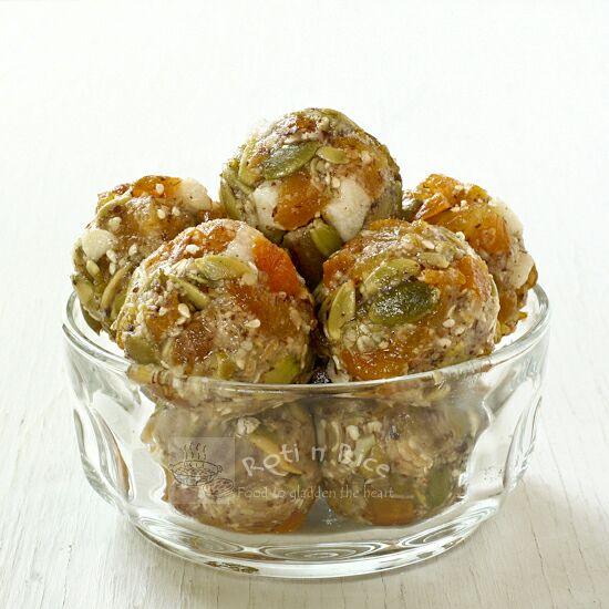 No-Bake Apricot Melon Energy Bites