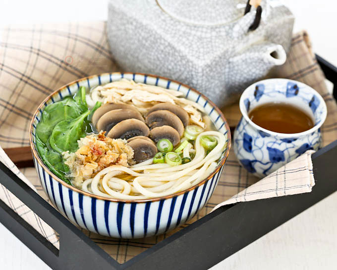 Quick and easy Chicken Mushroom Udon Soup with minimum prep work. It is light, tasty, and satisfying. Perfect for lunch! | RotiNRice.com
