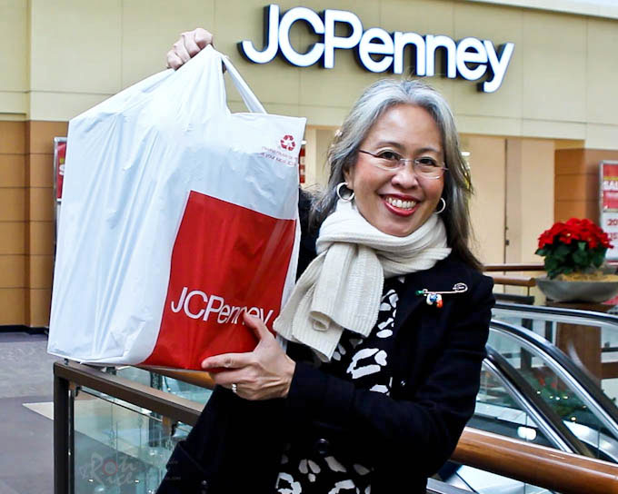 Check out all the goodies I found for my Holiday Gift Toasting with JCPenney and a chance to win a $100 JCPenney Gift Card. | RotiNRice.com