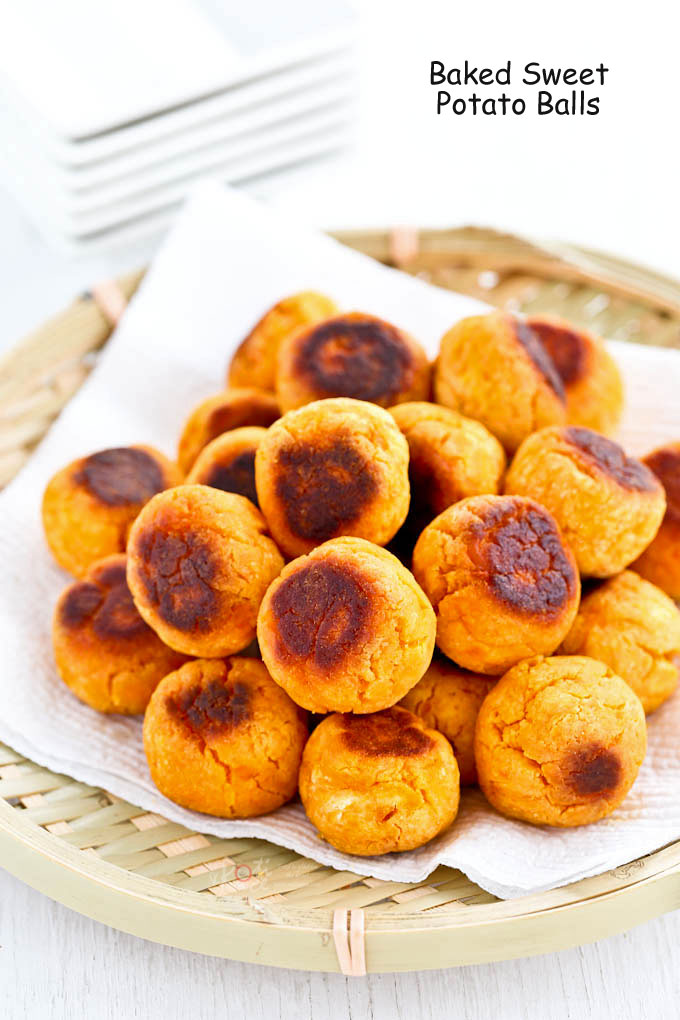 These gluten free Baked Sweet Potato Balls are a simple and tasty treat that is best eaten warm. It is a healthier alternative to the deep fried version.   RotiNRice.com
