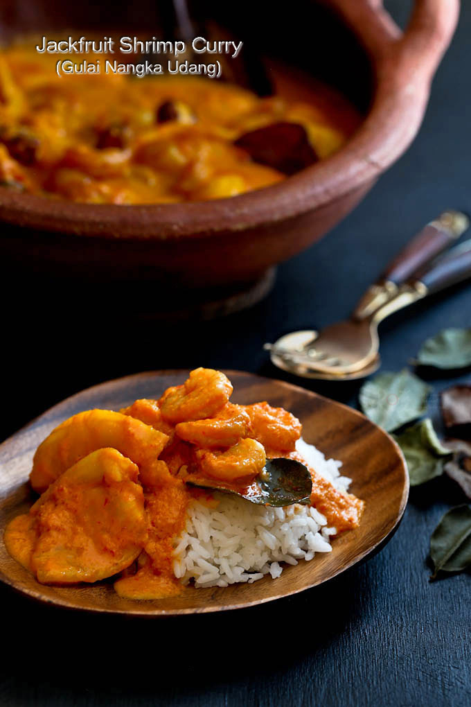 Jackfruit Shrimp Curry (Gulai Nangka Udang) - the combination of jackfruit and shrimps in this fragrant spicy sweet curry is a must try. It is so delicious! | RotiNRice.com
